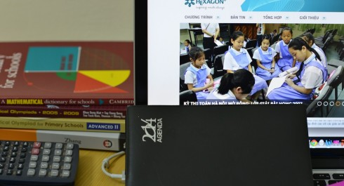 Lớp UEE K7 (thi NUS, NTU 2015),  APMOPS 2014 tuyển sinh