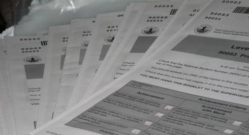 Thi học bổng ASEAN 2015: tập luyện các đề thi tổng hợp